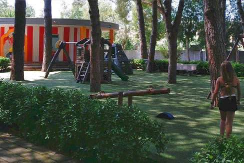 Children's slides and equipped areas - La Mantinera